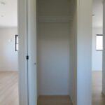 2号棟2階廊下収納